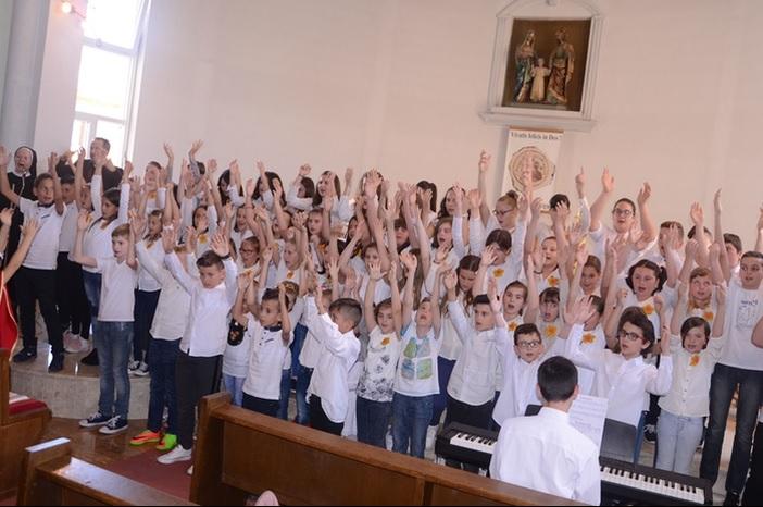Održana 33. Zlatna harfa Slavonskobrodskog dekanata