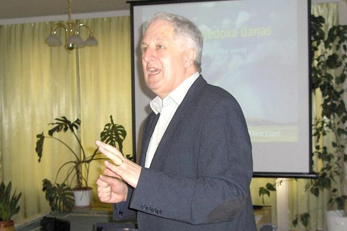 Zanimljivo predavanje prof. Maria Esserta u Slavonskom Brodu