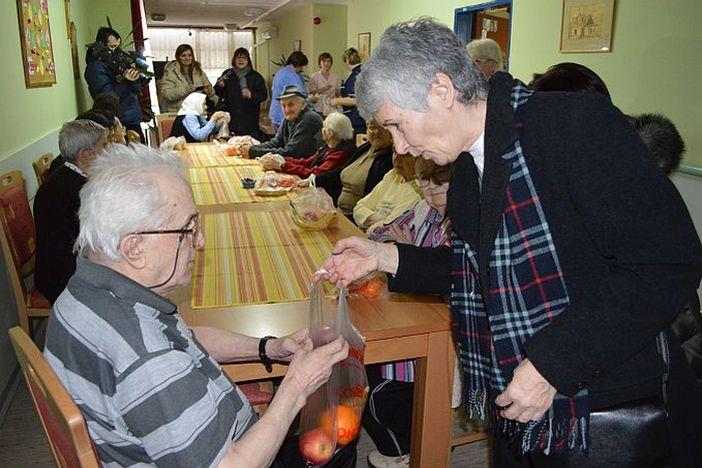 Banke umirovljenicima: U poslovnice samo ako je neophodno