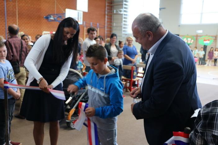 """Svečano otvorena nova sportska dvorana OŠ """"Hugo Badalić"""" PŠ Jelas"""