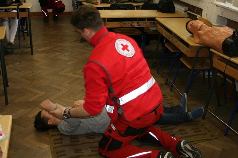 U Velikoj Kopanici organizirana edukacija učenika, članova sekcije Crvenog križa